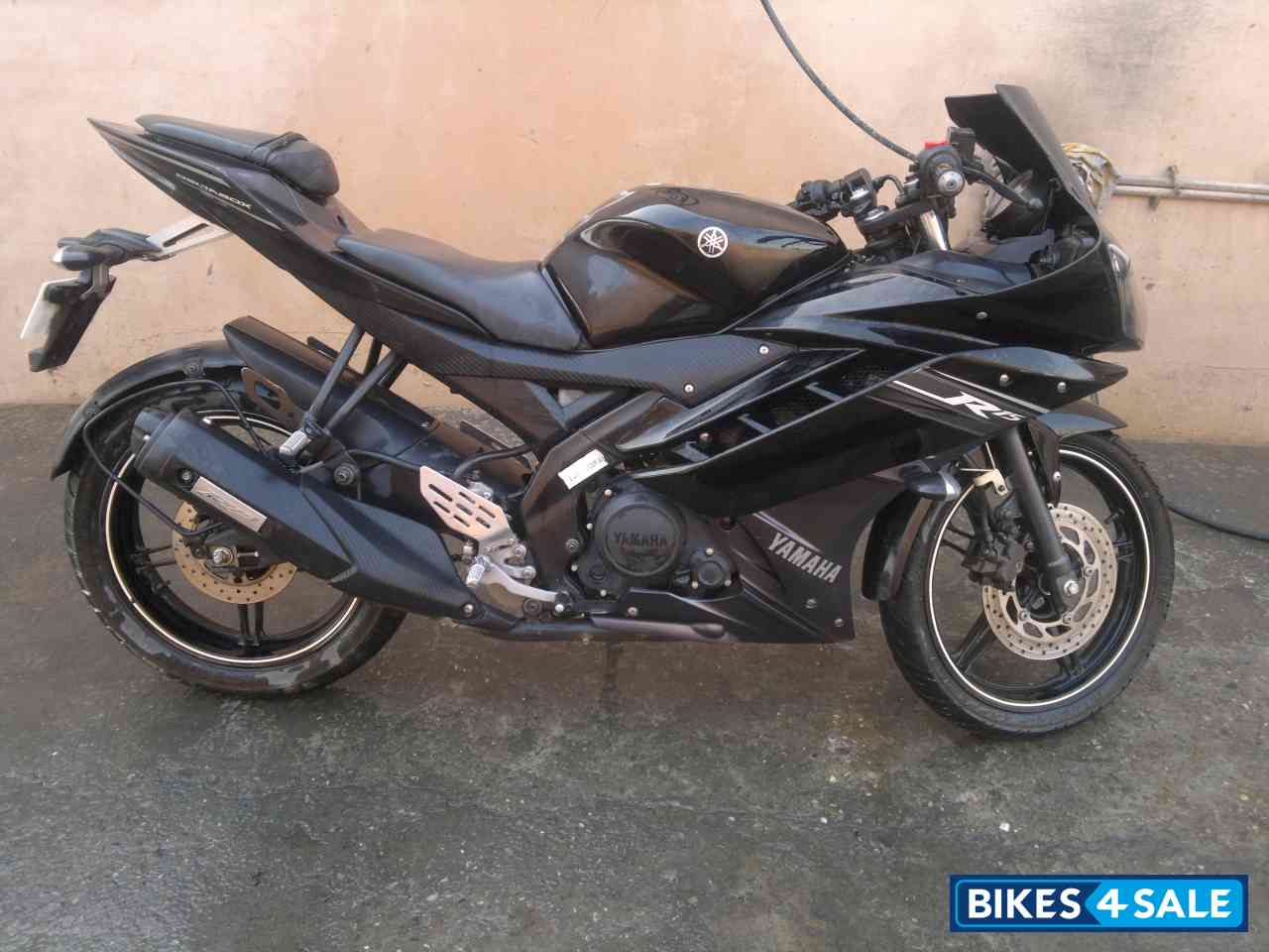 Black Yamaha YZF R15 V2 Pictures - 8 Pictures AvailableYamaha R15 Black