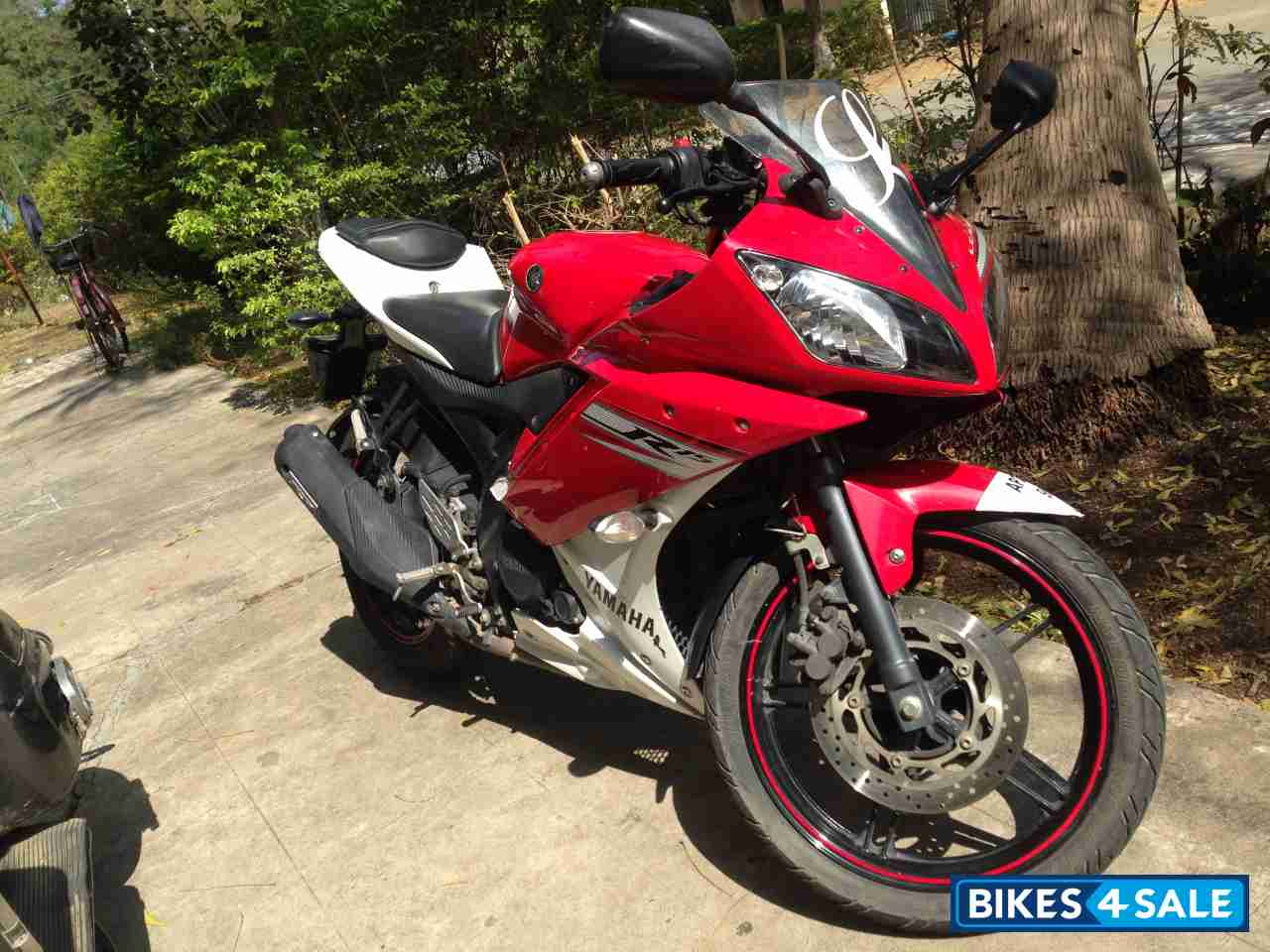 R15 V2 Red And White White Red Yamah...