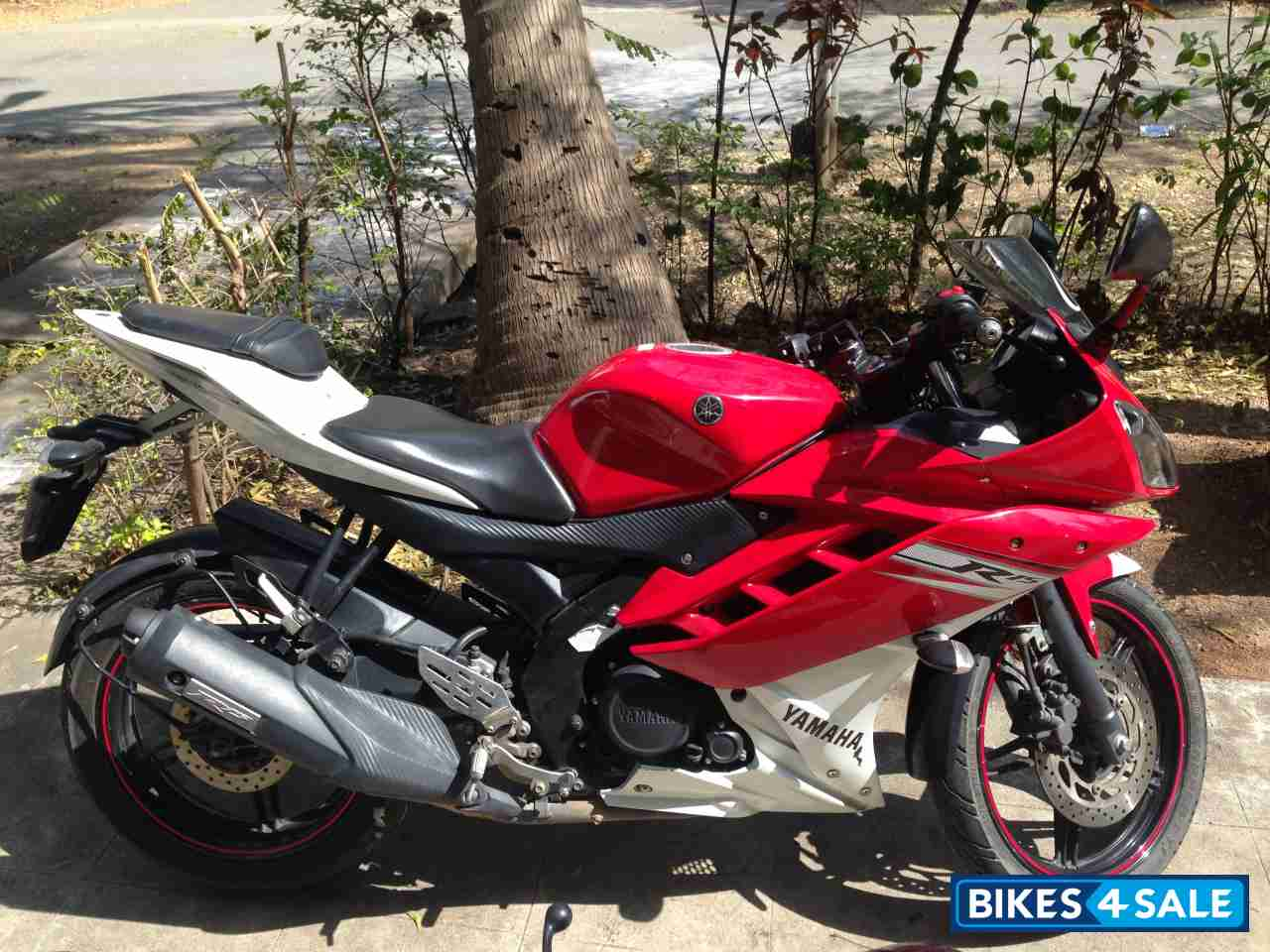 R15 V2 Red And White White Red Yamaha YZF R...