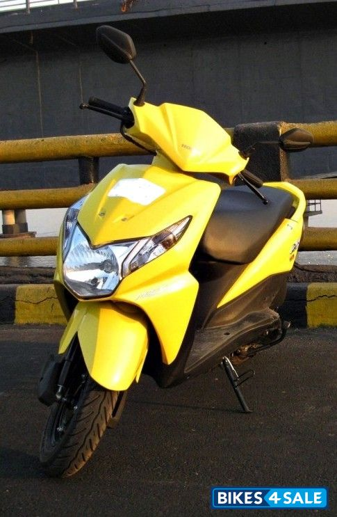 Yellow Honda Dio for sale in Bangalore. Single use HONDA ...