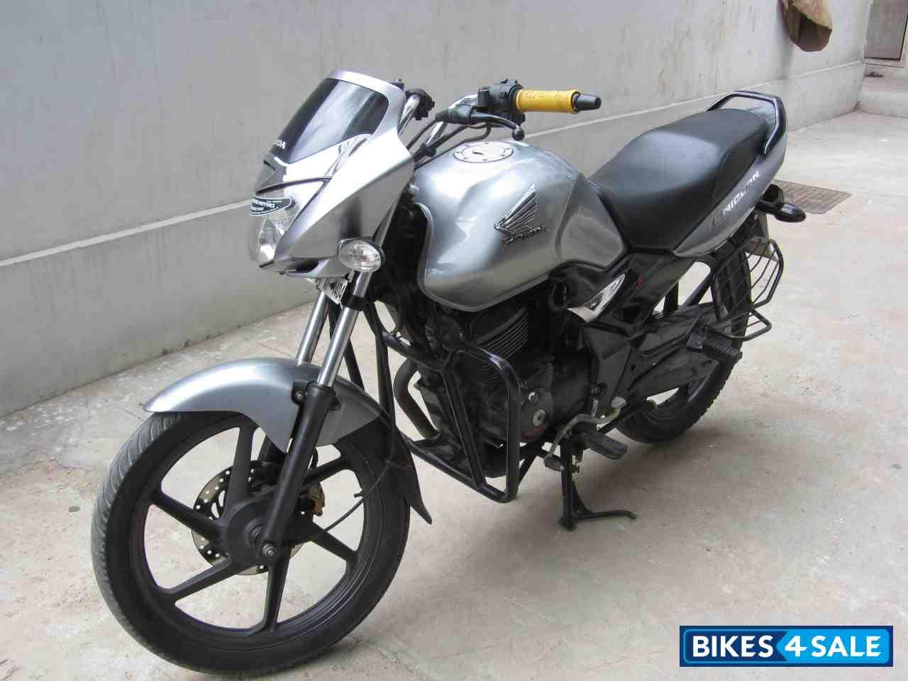 Silver Honda Unicorn Picture 1. Album ID is 114085. Bike ...