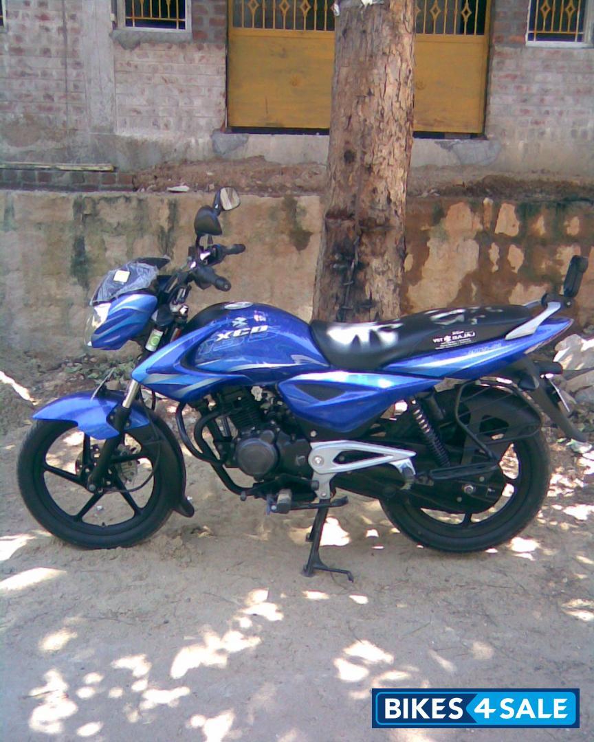 Blue Bajaj XCD 135 DTS-Si