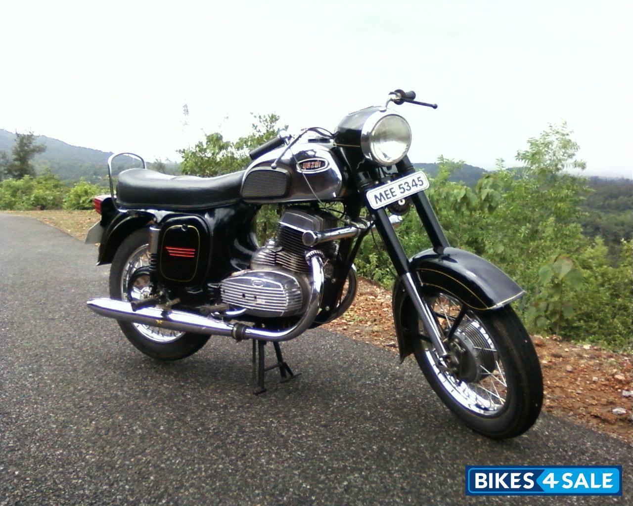 Black Ideal Jawa Yezdi Picture 1. Album ID is 28991. Bike located in ...