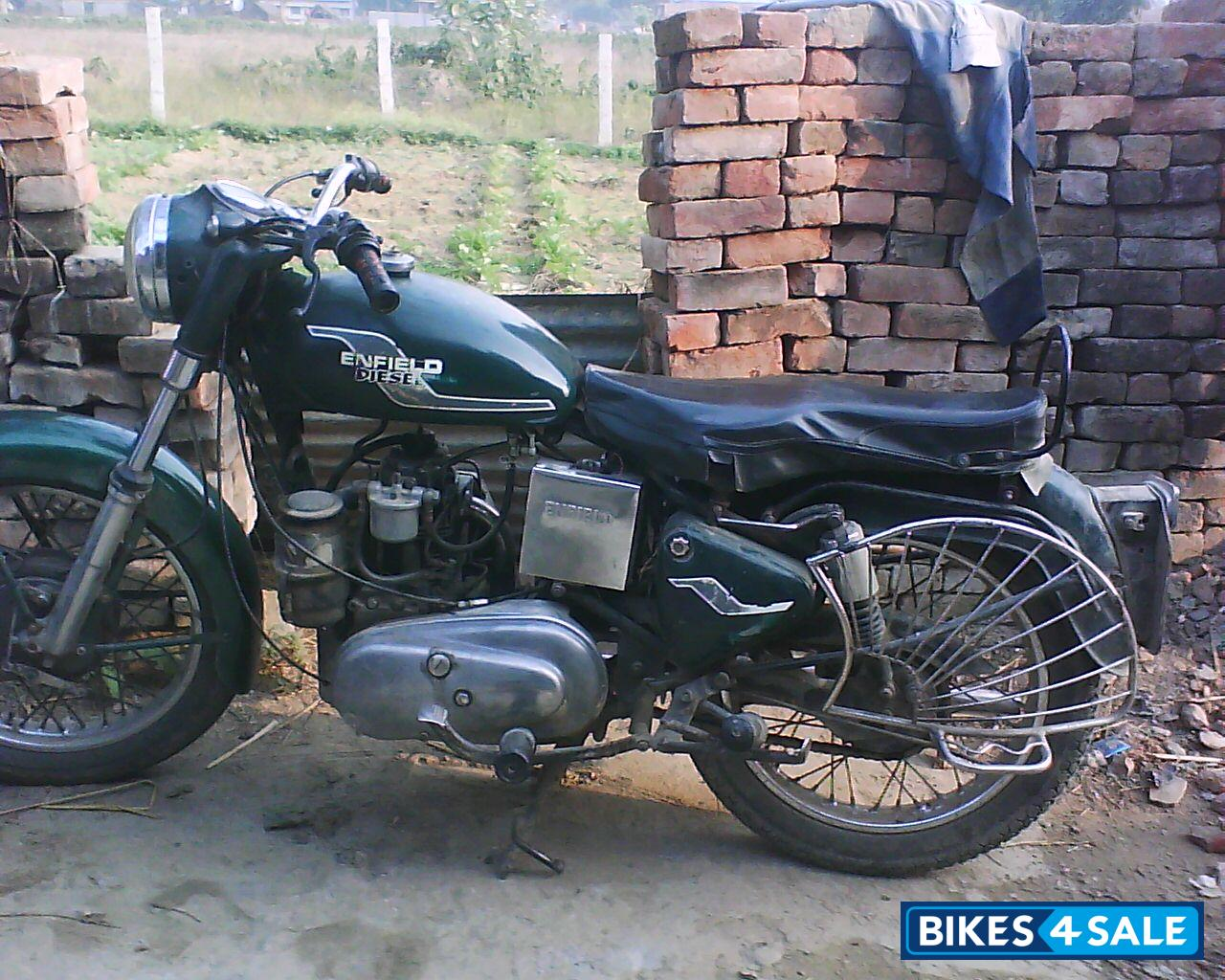 second hand royal enfield bullet diesel taurus in lucknow 8960809069 green colour price is. Black Bedroom Furniture Sets. Home Design Ideas