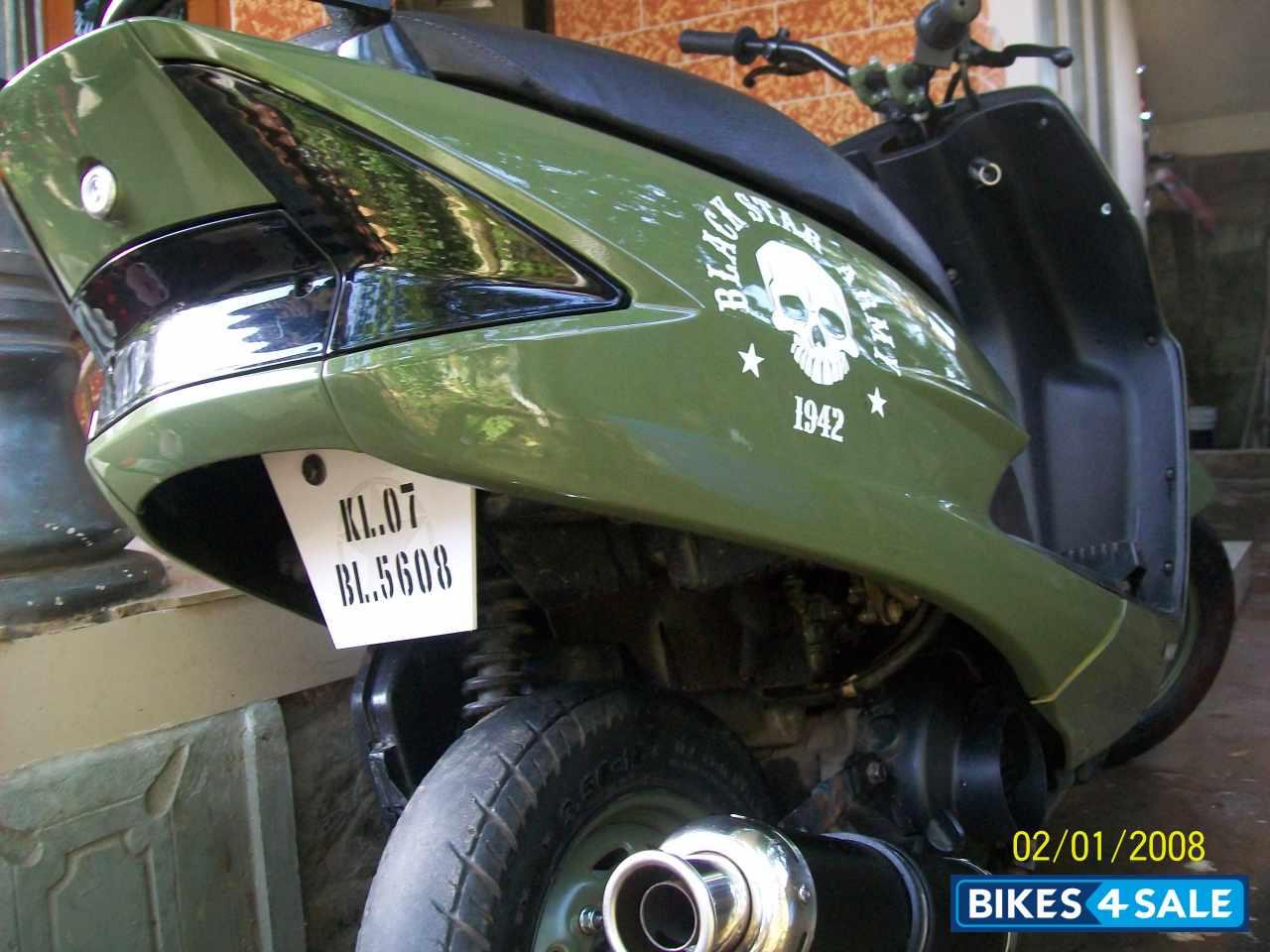 Bike stickers design for dio - Honda Dio Green Colour