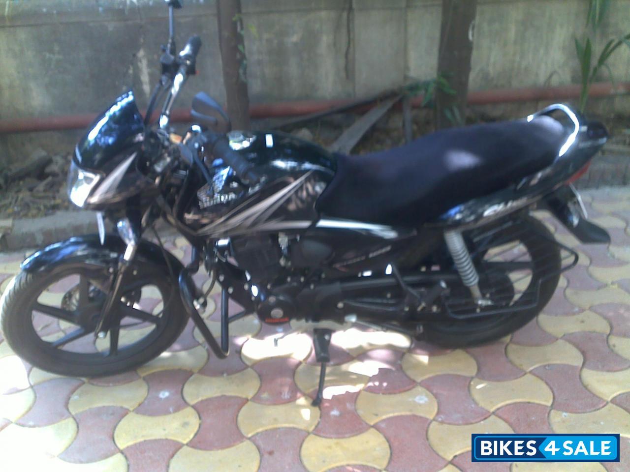 Black-grey Honda Shine Picture 1. Album ID is 51480. Bike ...