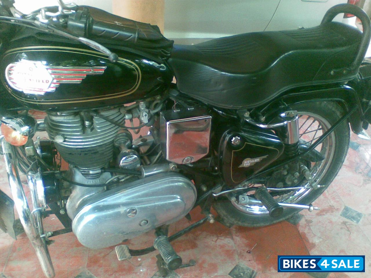 Black Royal Enfield Bullet Standard 350