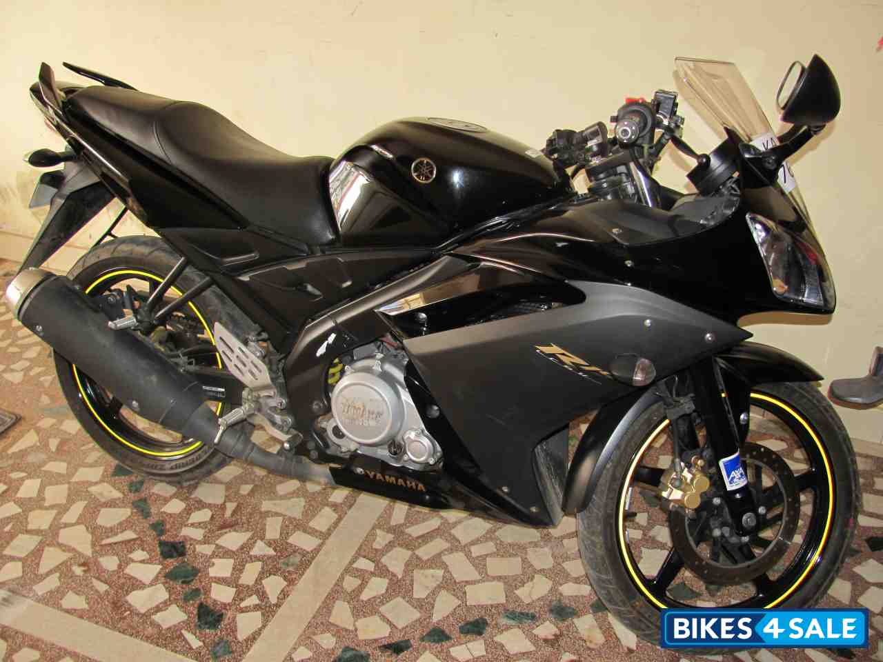 Best Value Electric Bike >> Black Yamaha YZF R15 Picture 2. Bike ID 54975. Bike ...