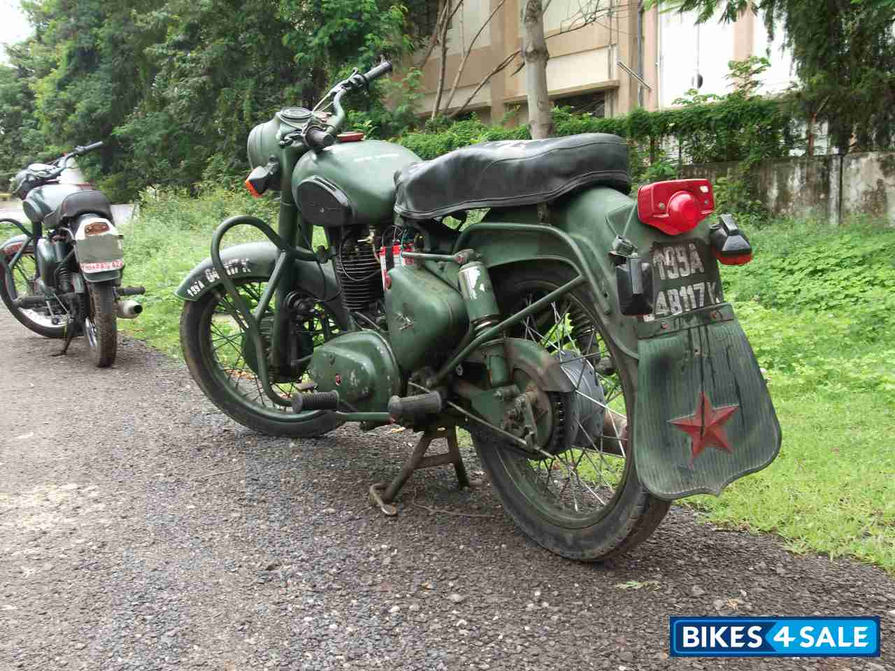Military Green Royal Enfield Bullet Standard 350 Military, Army Used ...