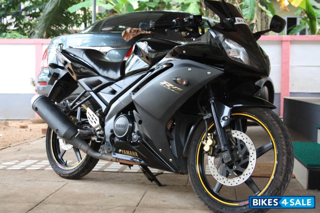 Black Yamaha YZF R15 Picture 1Yamaha R15 Black