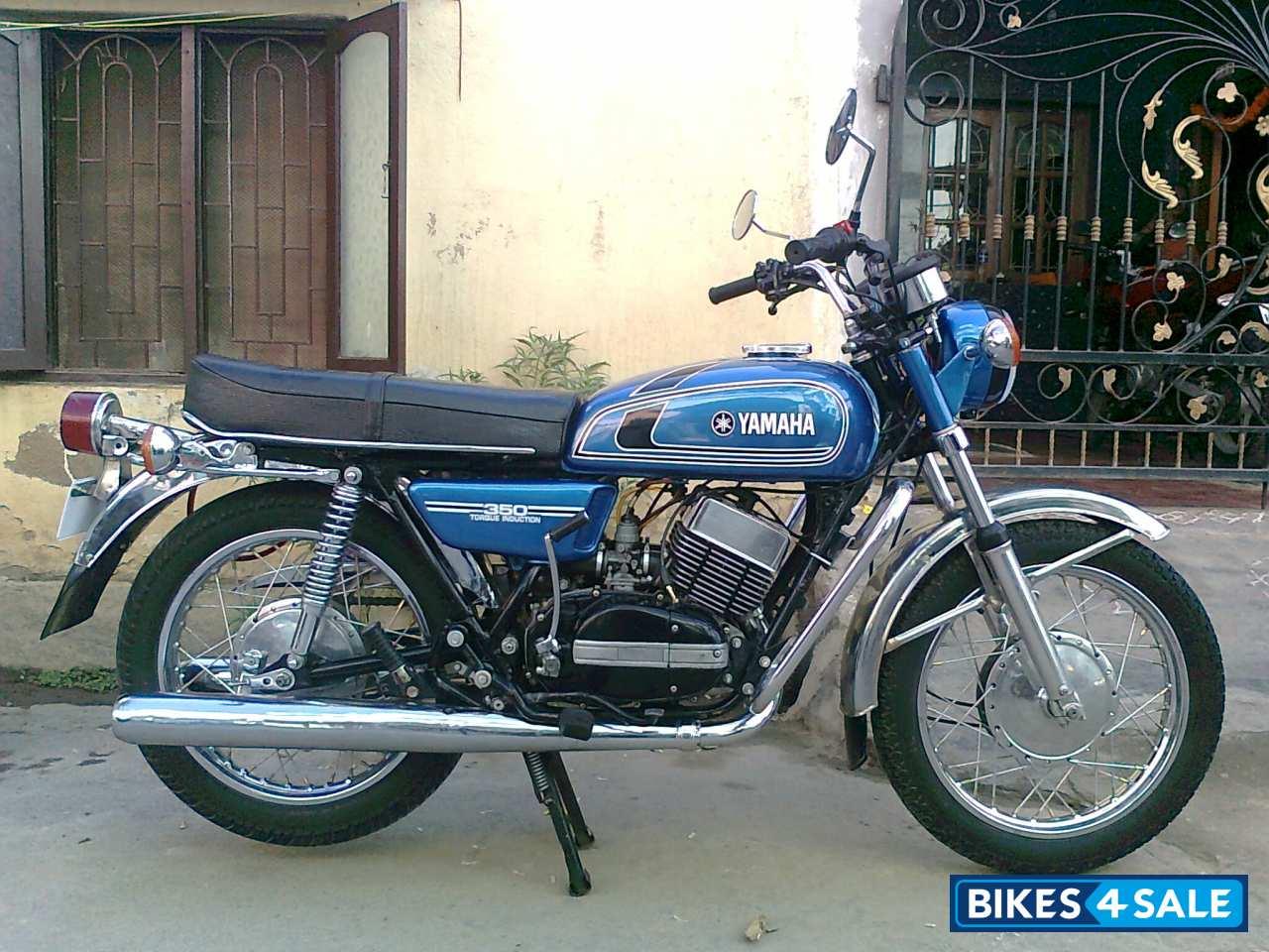 blue yamaha rd 350 picture 3 bike id 69431 bike located in bangalore bikes4sale. Black Bedroom Furniture Sets. Home Design Ideas
