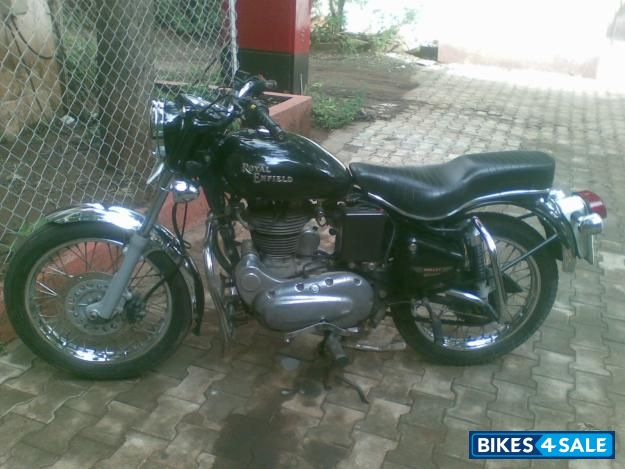 Magic Black Royal Enfield Bullet Electra 5S