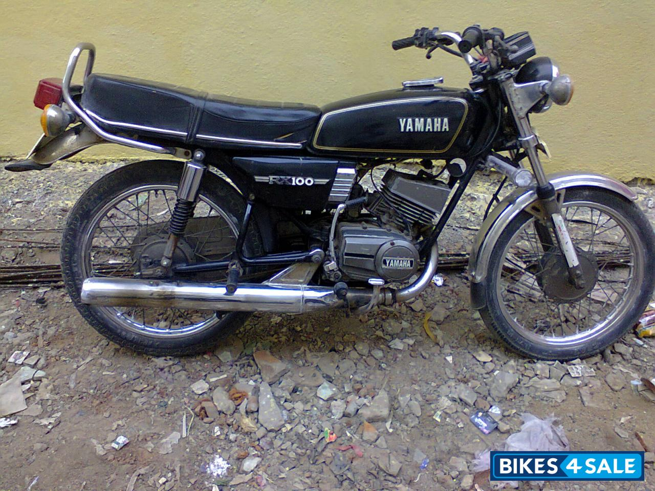 Black yamaha rx 100 picture 1 album id is 83406 bike for Yamaha rx115 motorcycle for sale