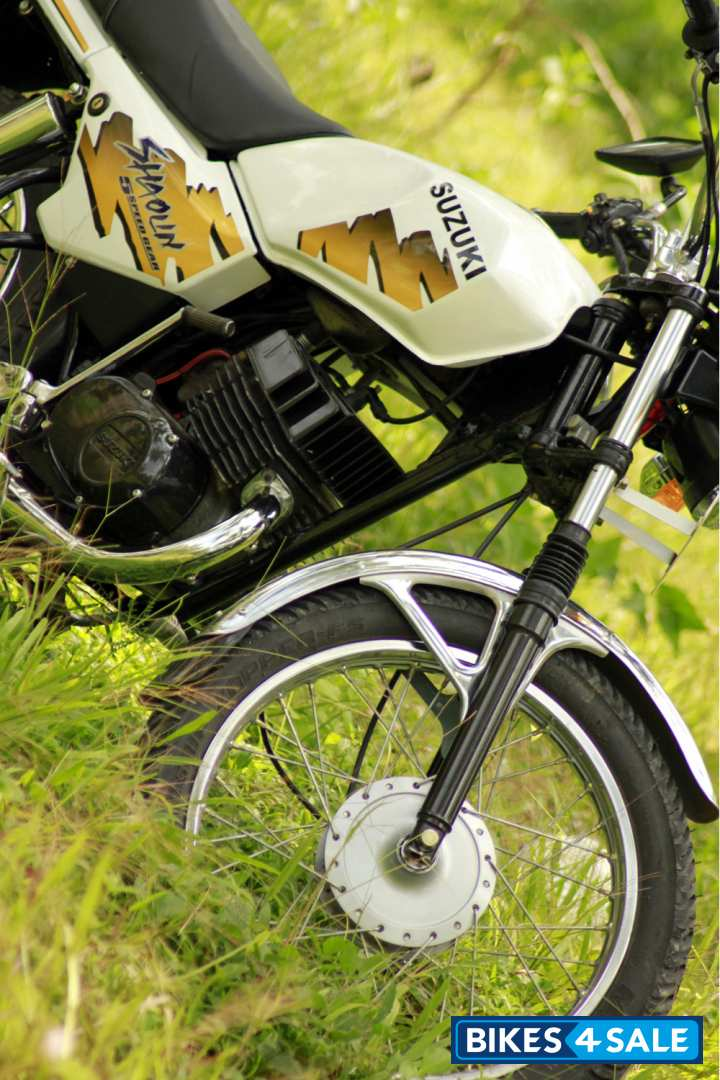 White Suzuki Shaolin Picture 3 Album Id Is 84344 Bike