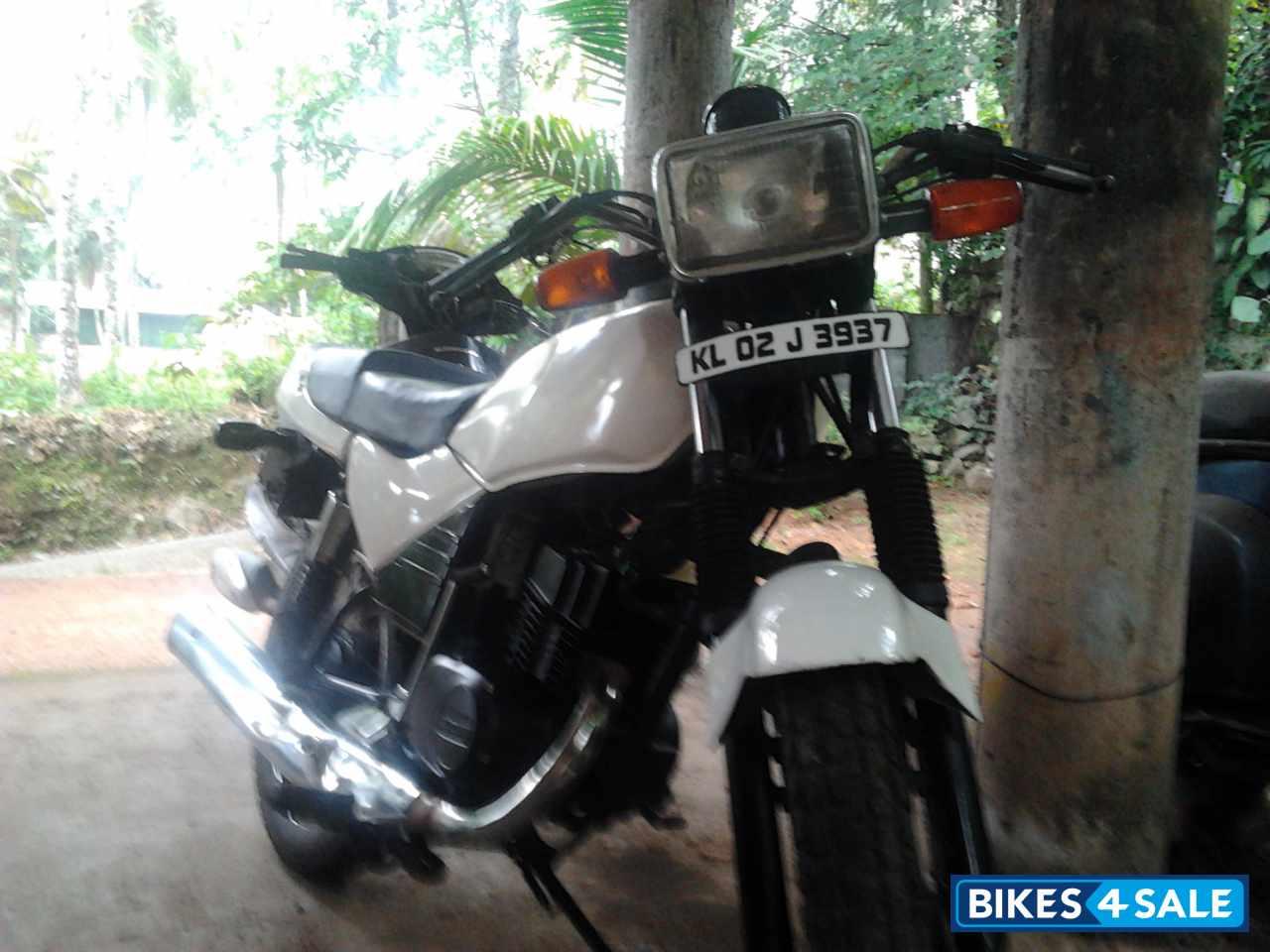 Suzuki Samurai Bike White - Viewing Gallery