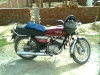 Used Yamaha RX 100 in Lucknow with warranty  Loan and