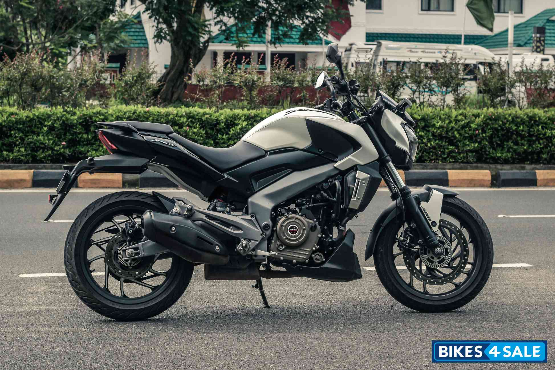 Bajaj Dominar 400 White