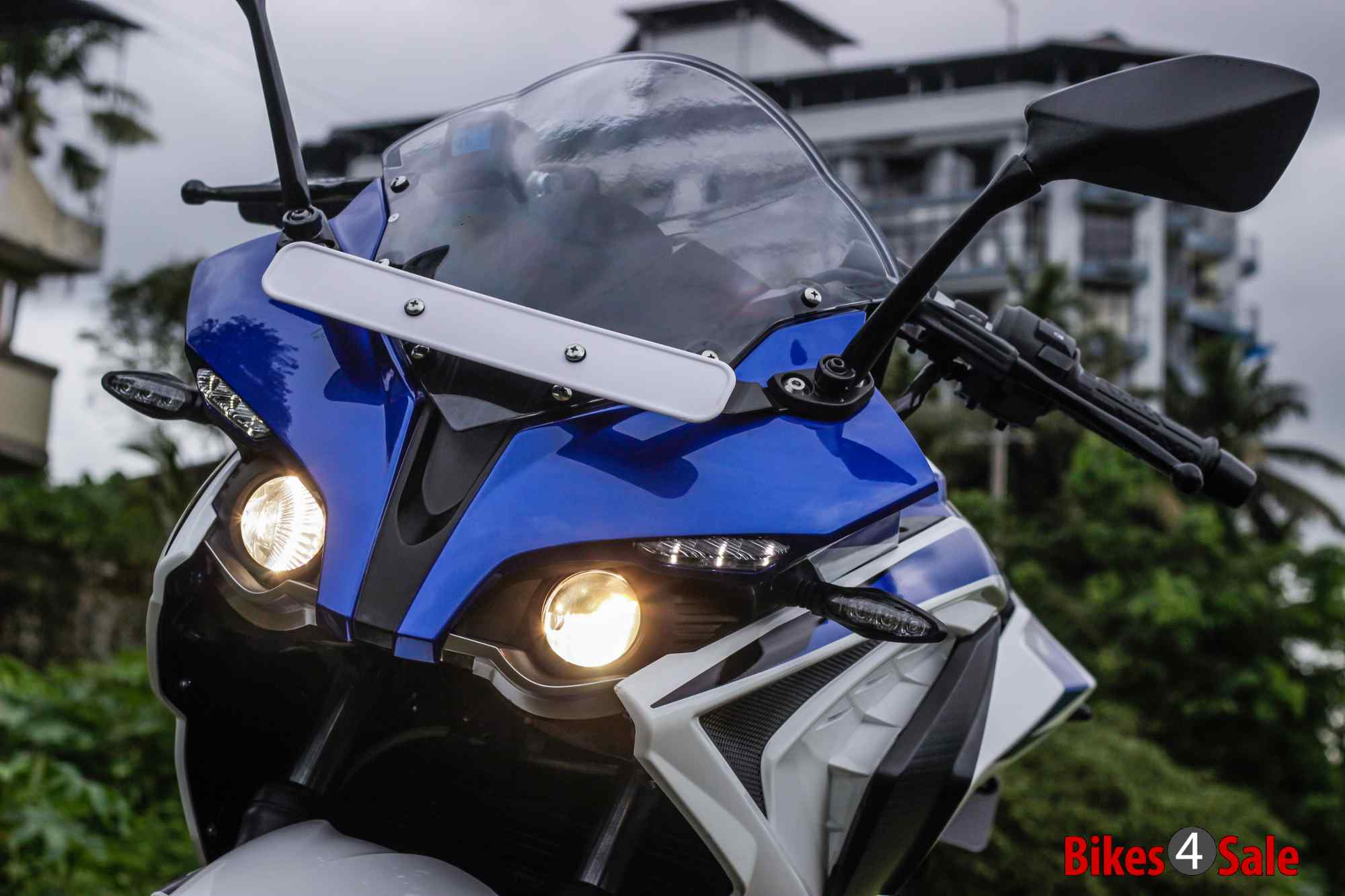 Bajaj Pulsar RS 200 LED headlamp and LED DRLs