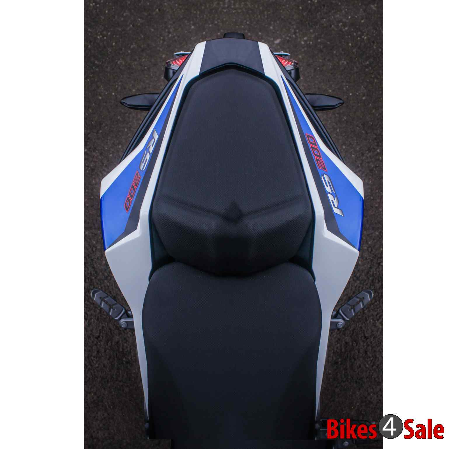 Bajaj Pulsar Rs 200 Seats Top View