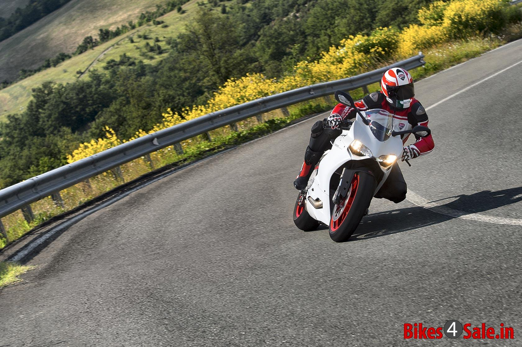 Photo 5 Ducati Superbike 899 Panigale Motorcycle Picture Gallery Bikes4sale
