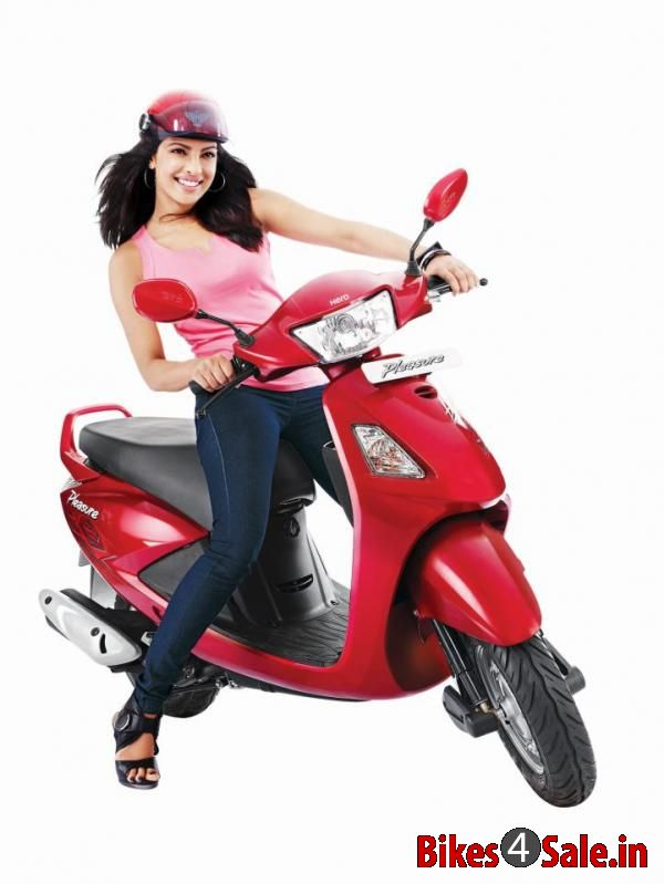 Bollywood Heroine Priyanka Chopra Riding Scooter Hero