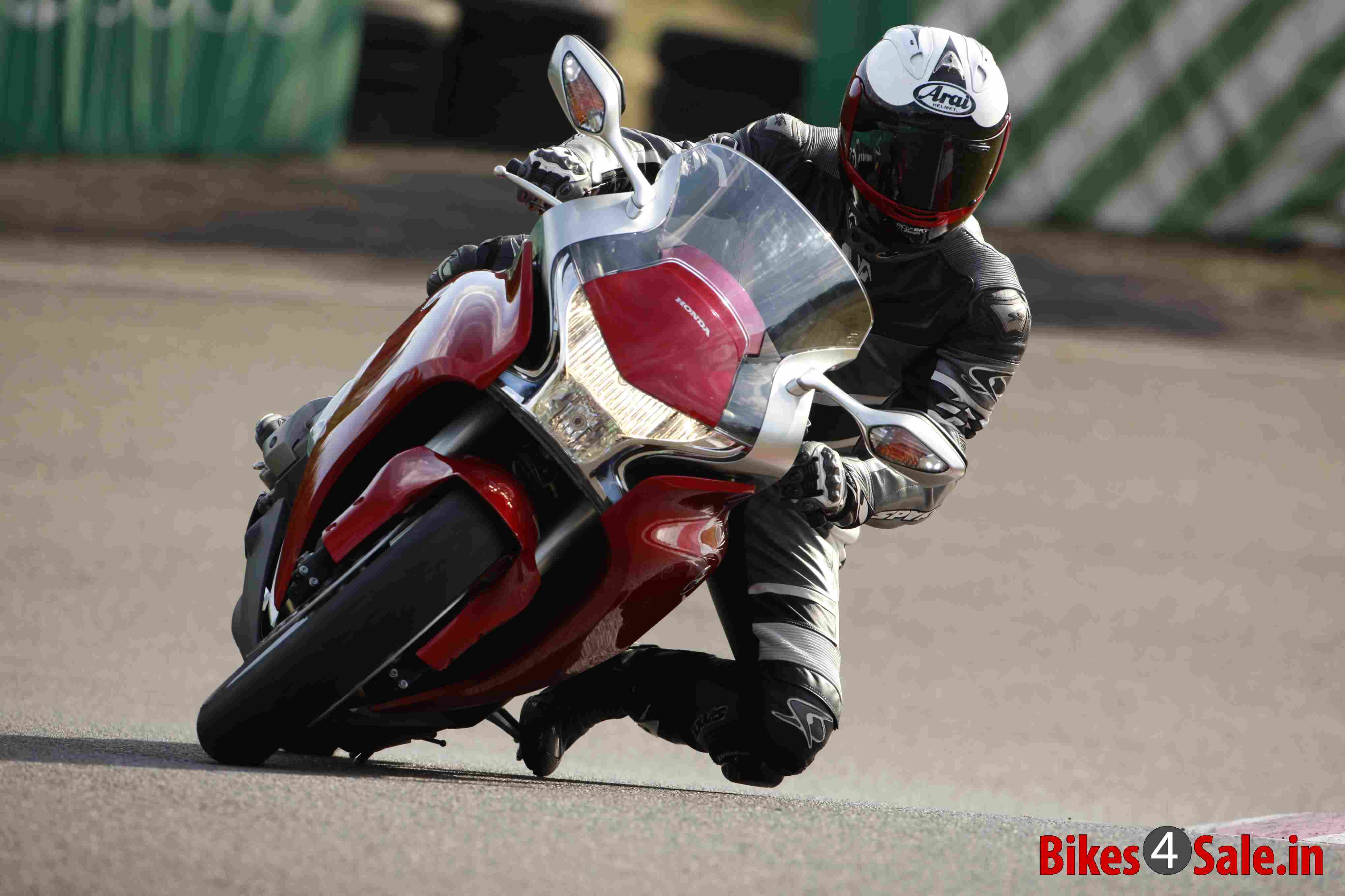 Honda Vfr 1200f Price Specs Mileage Colours Photos And