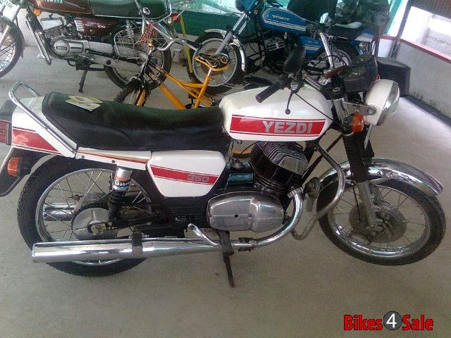Ideal Jawa Yezdi 350 Twin Price Specs Mileage Colours