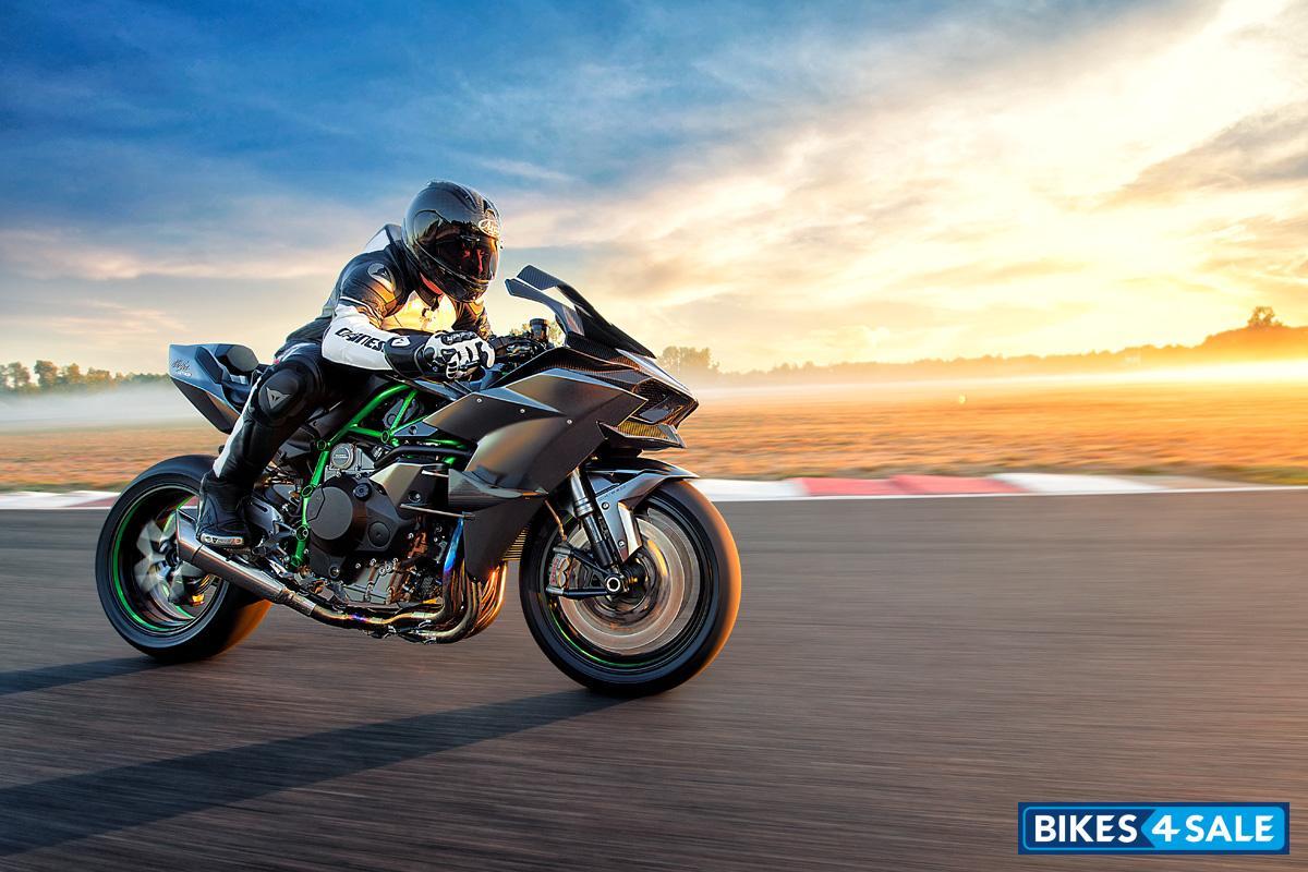 Kawasaki Ninja H2R price, specs, mileage, colours, photos ...