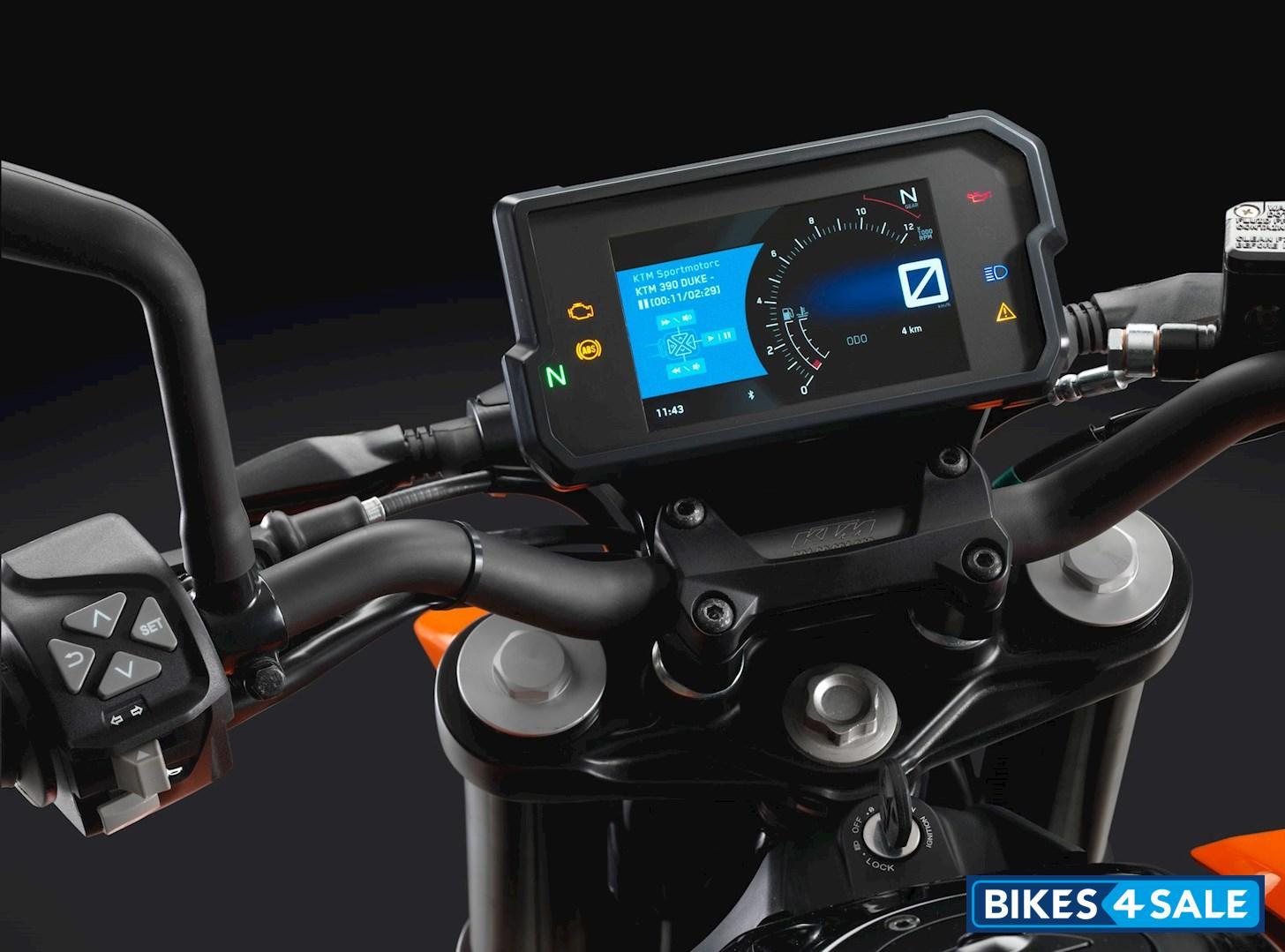 Ktm Duke 125 Price Specs Mileage Colours Photos And Reviews Bikes4sale