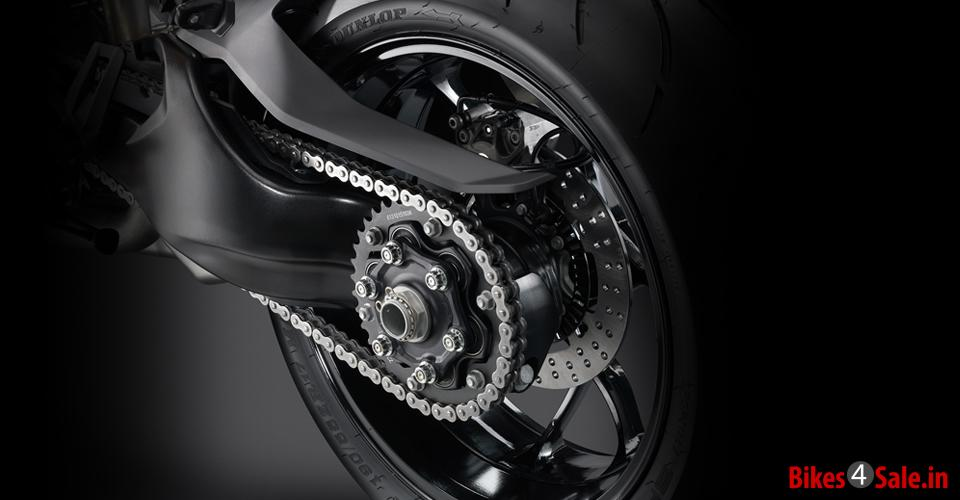 Chain Control of KTM 1290 Super Duke R