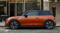 Mini 3-Door Cooper S Petrol AT