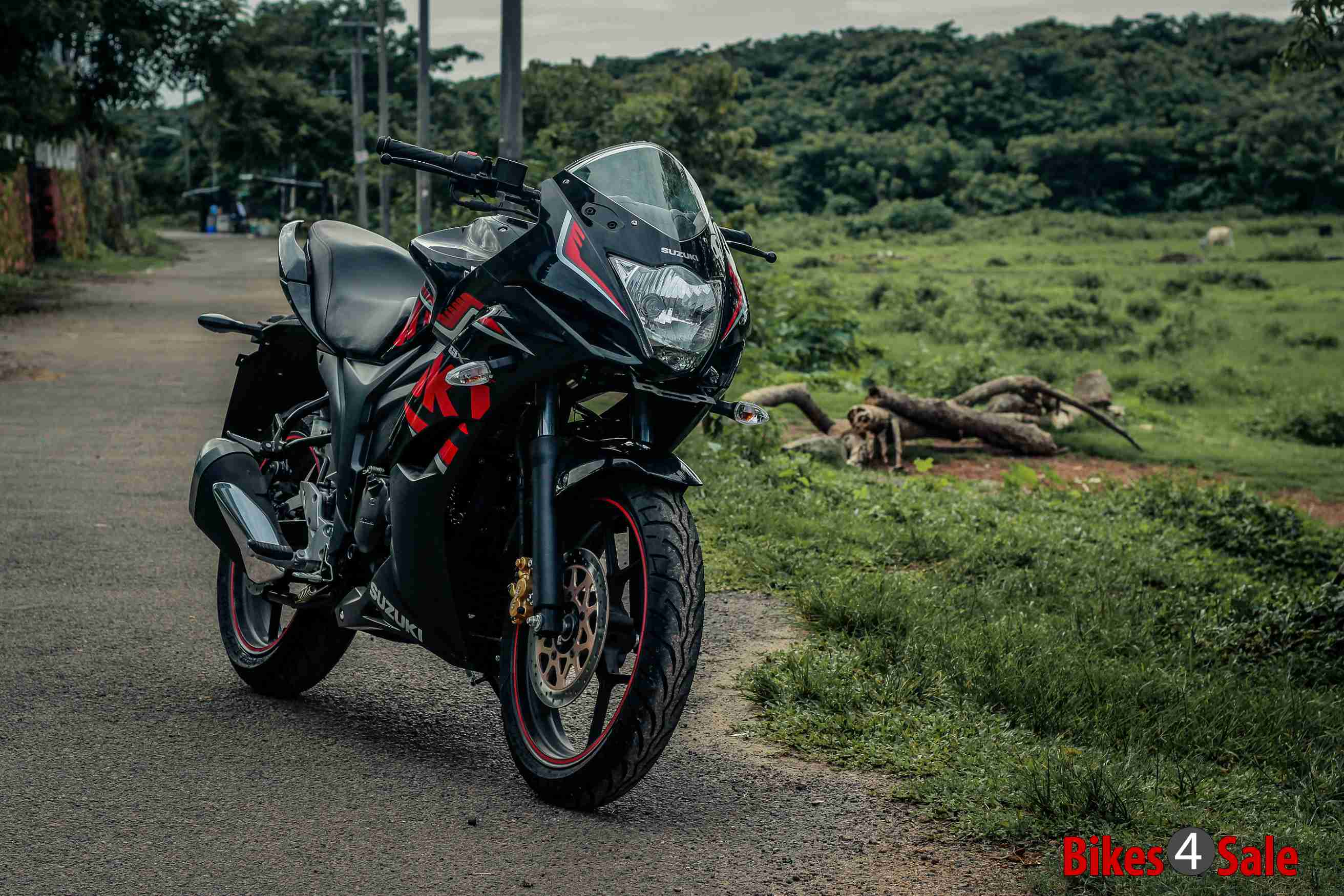 Suzuki Gixxer Sf Fi Glass Sparkle Black Metallic with Red