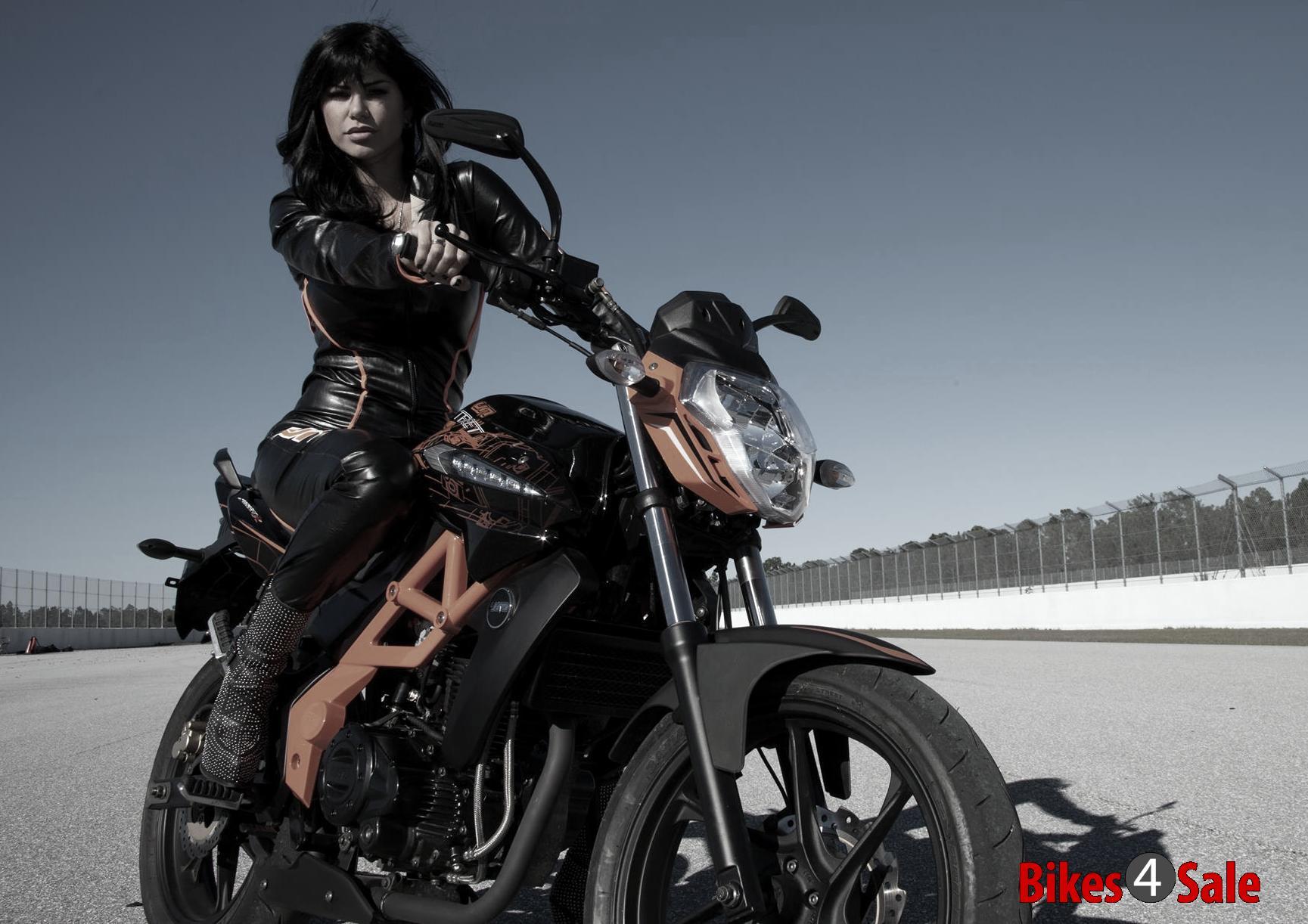 Motorcycle Girl In Beautiful Biker Jacket Um Xtreet 230 R Motorcycle Picture G Bikes4sale