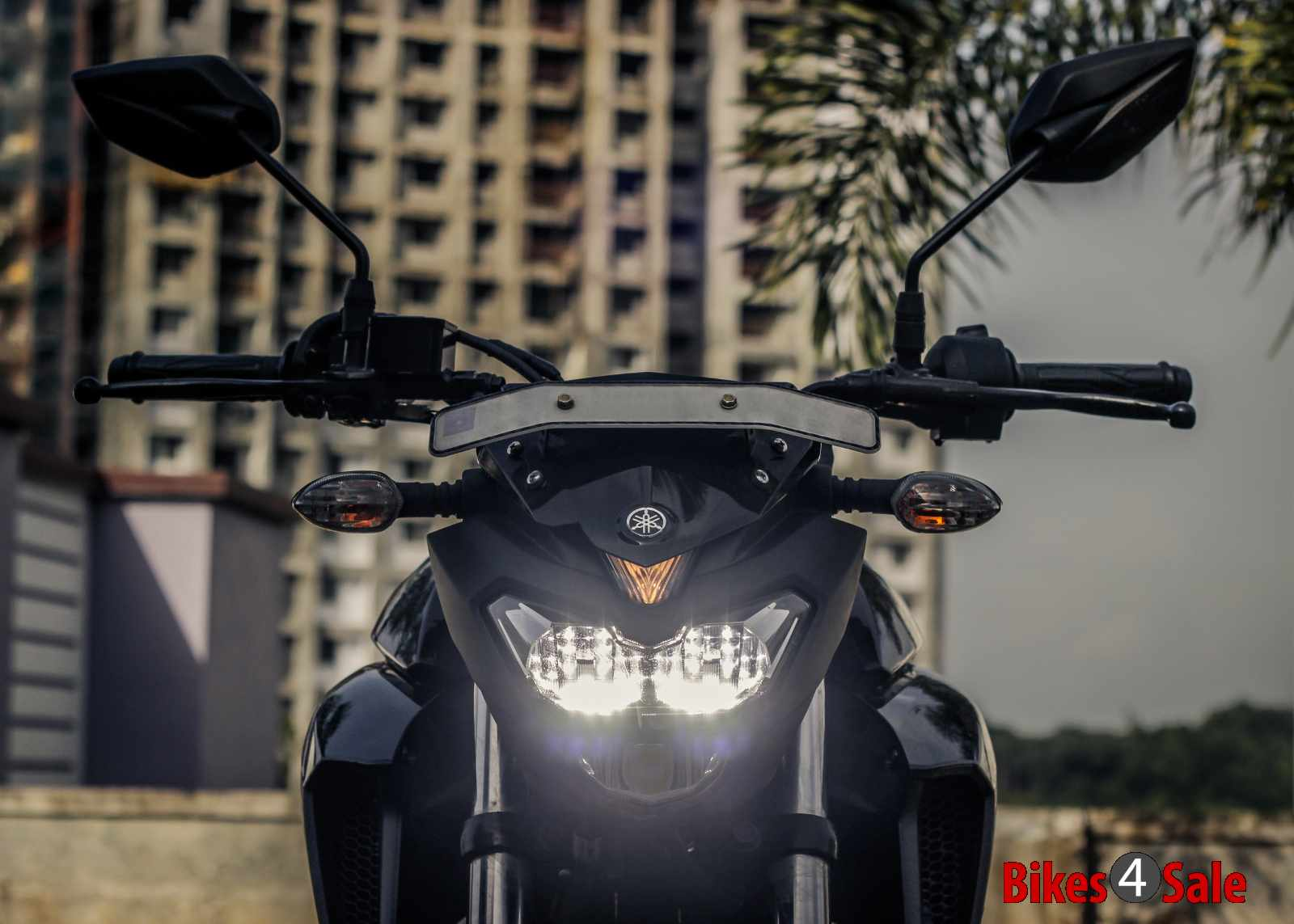 Yamaha Fz25 LED headlamp with pilot lamp