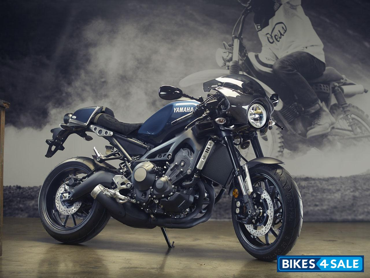 Yamaha XSR 900 Motorcycle Picture Gallery