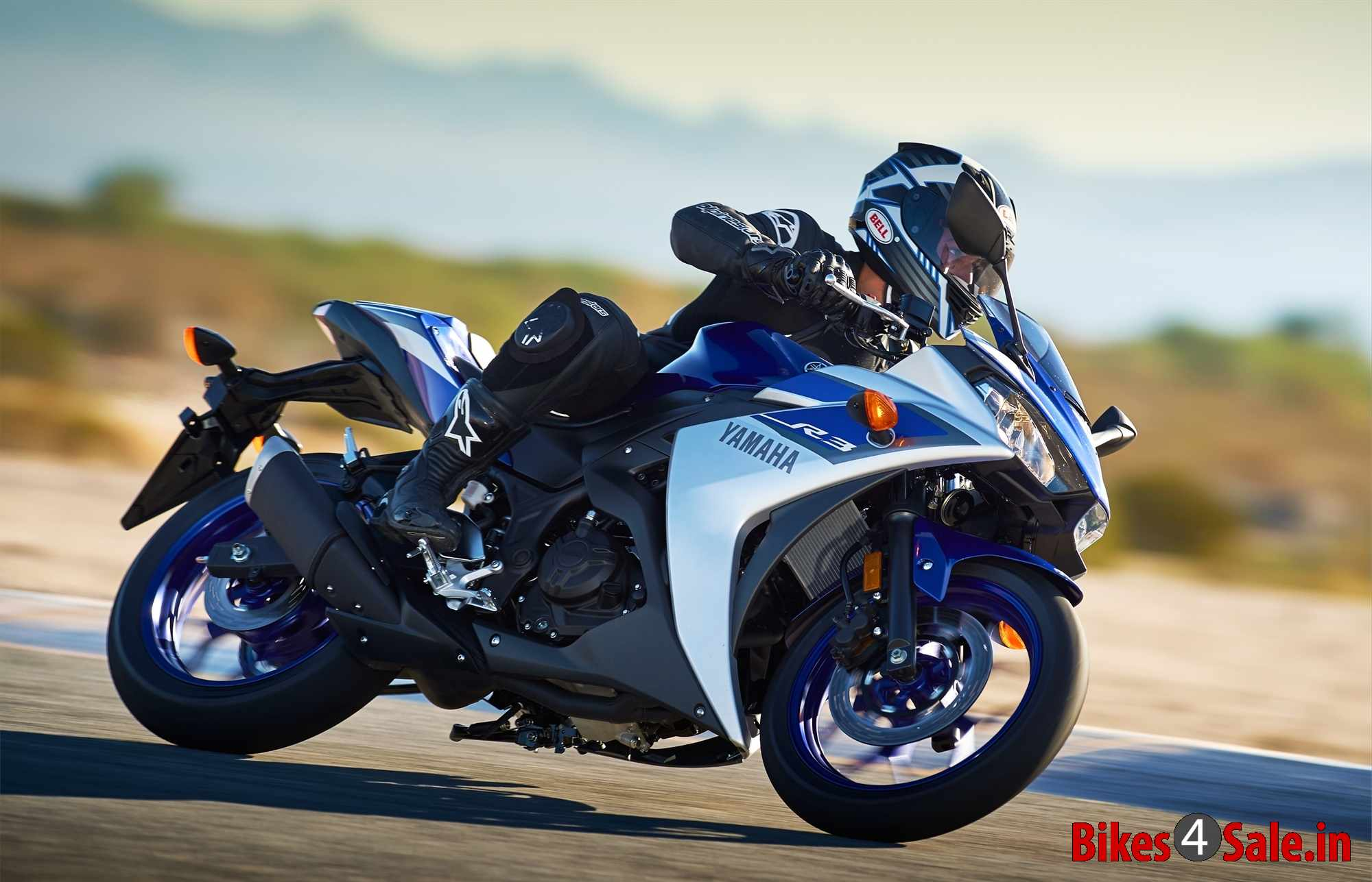 Yamaha yzf r3 price specs mileage colours photos and for Yamaha r3 mpg