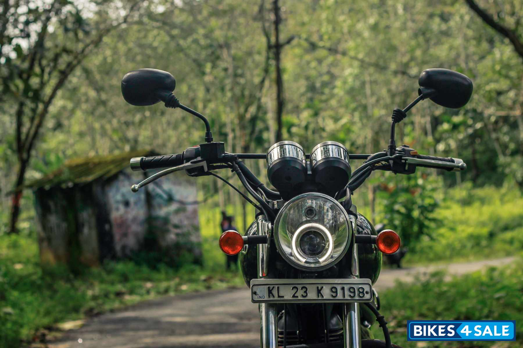 Royal Enfield Thunderbird 350 headlamps