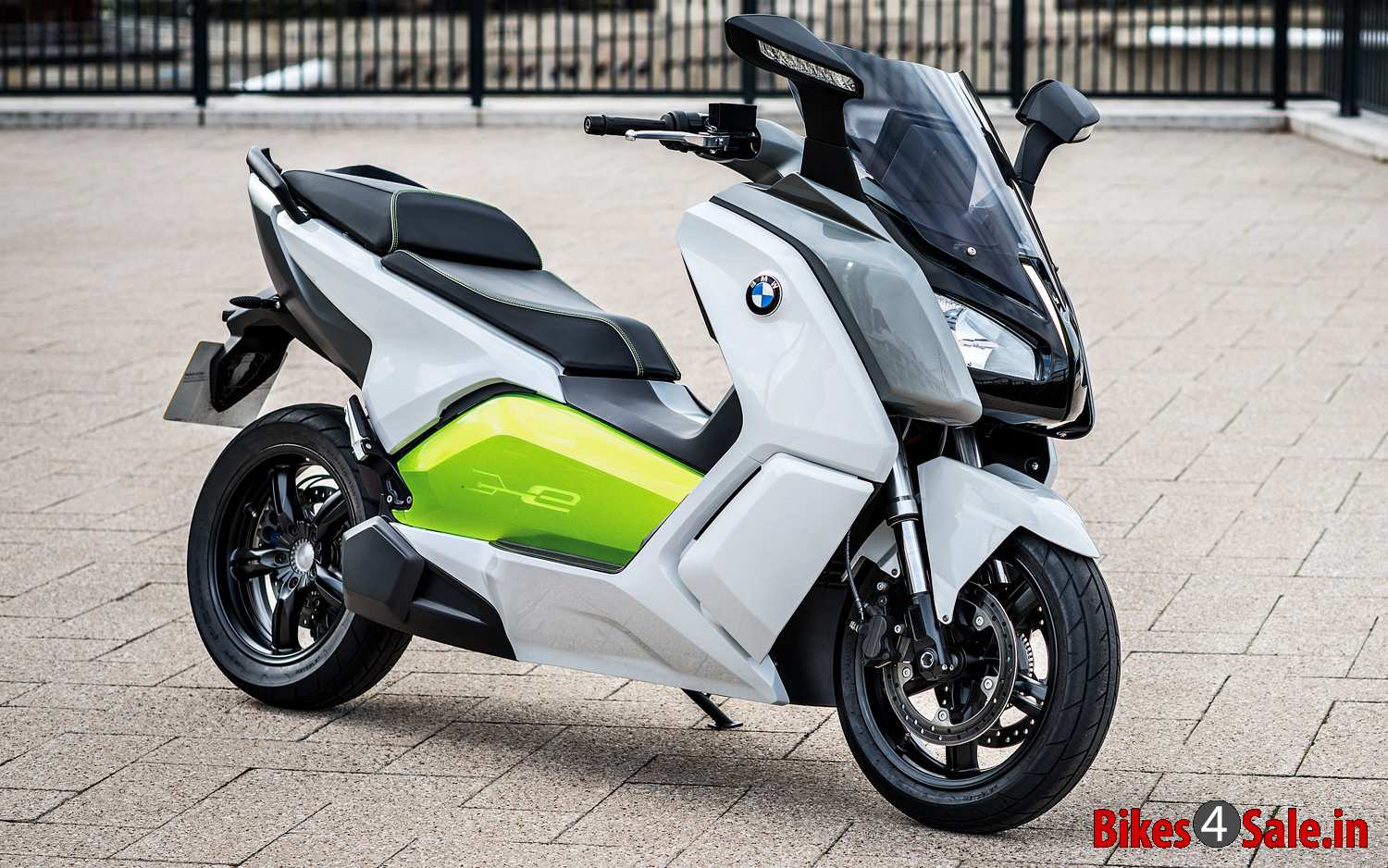 confirmed bmw to launch c evolution e scooter in 2014 bikes4sale. Black Bedroom Furniture Sets. Home Design Ideas