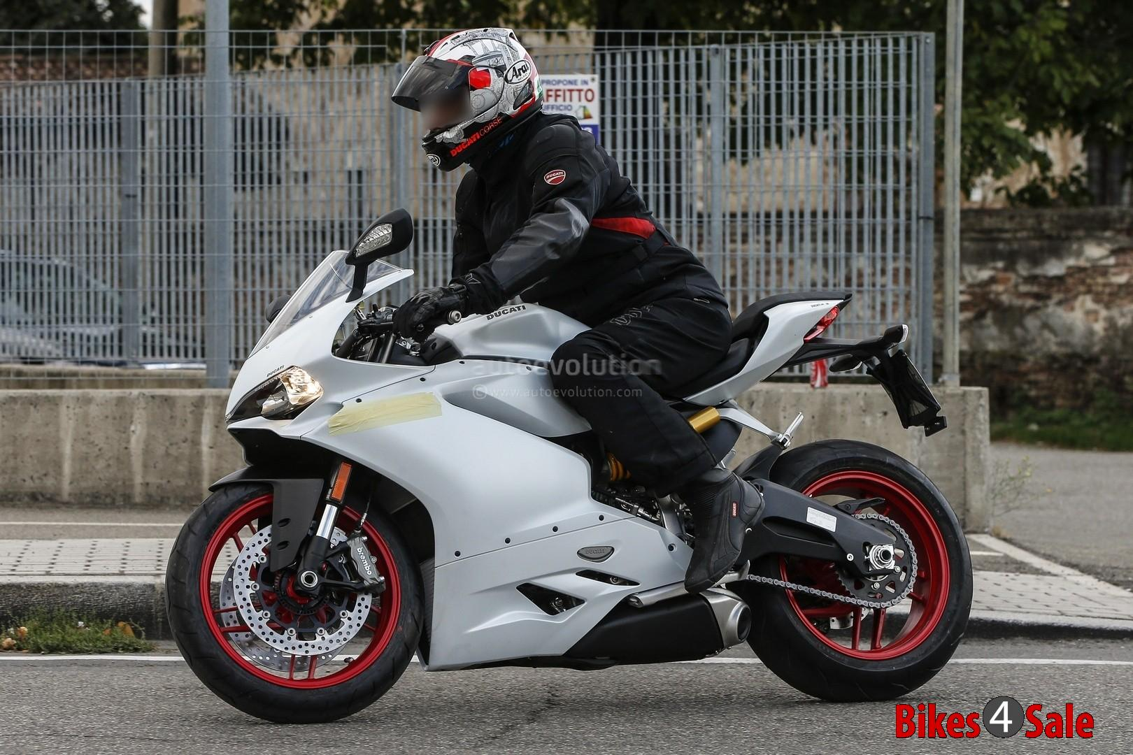 Ducati 959 Panigale Spied