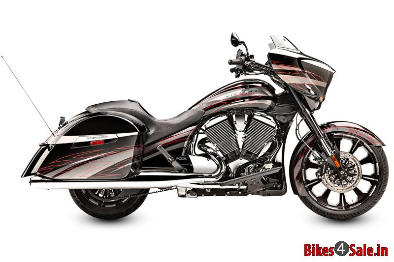 breaking the sound barriers the new magnum x 1 bikes4sale. Black Bedroom Furniture Sets. Home Design Ideas
