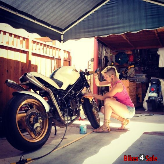Motorcycle Mudguard Washing