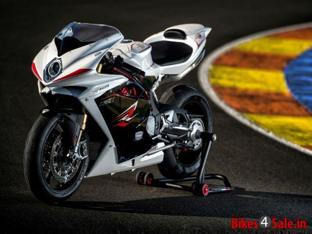 Best 1000cc Superbikes in India - Bikes4Sale