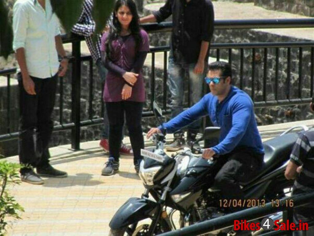 Used Motorcycles Dealers >> Salman Khan Caught Riding Suzuki Inazuma 250 - Bikes4Sale