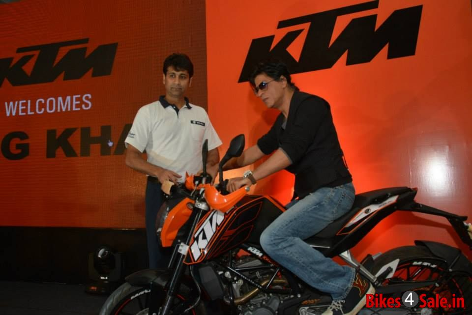 Shahrukh Khan on KTM Duke 390