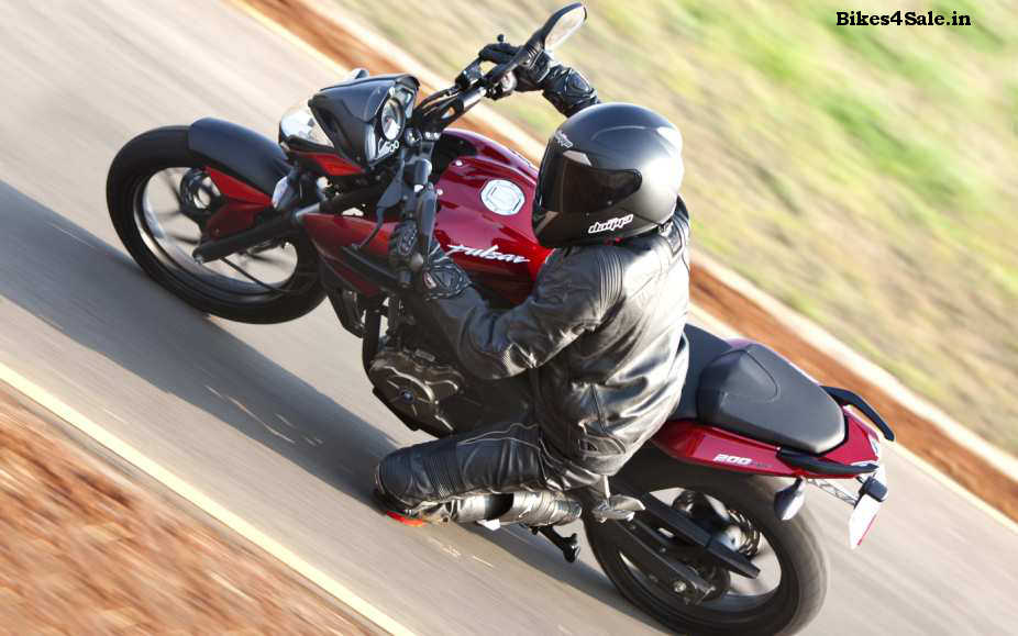 Pulsar 200NS Picture